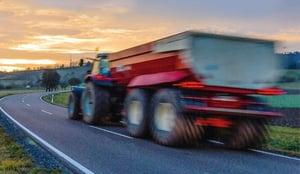 VX-TRACTOR-tracteur-vitesse-sur-route