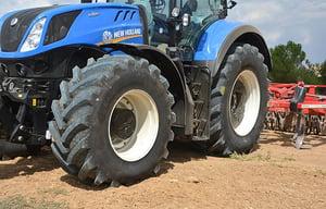 VX-Tractor, pneu de tracteur polyvalent