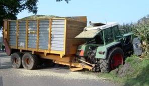 pneus de tracteur défaillants lors d'un freinage