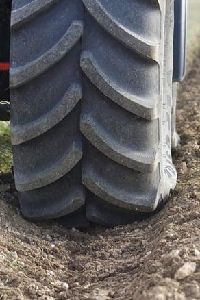 capacite-de-traction-pneus-de-tracteur.jpg