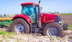 tracteur-enlisé-patinage