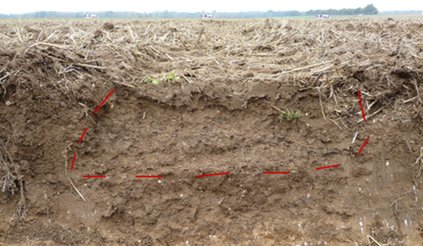 coupe-de-terre-tassement-pneu-de-tracteurs.jpg