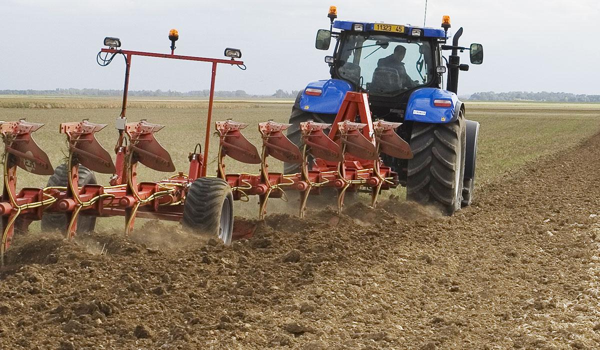 pneu-tracteur-pour-bien-labourer.jpg